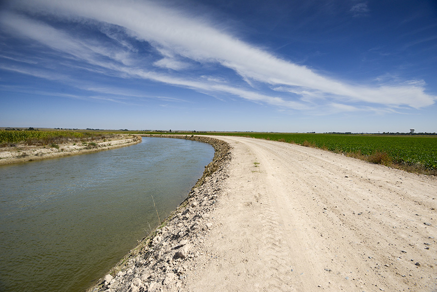 The main canal of the Farmers Irrigation District, near Scottsbluff, Neb. (Peter Stegen)